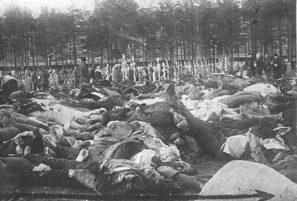 Kalevankankaan hautausmaalle kerättyjä kaatuneita punaisia Tampereen taitelun jölkeen vuonna 1918